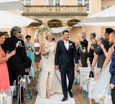 Hand In Hand Brautpaar Verheiratet Zeremonie Freie Trauung Eva Neubacher